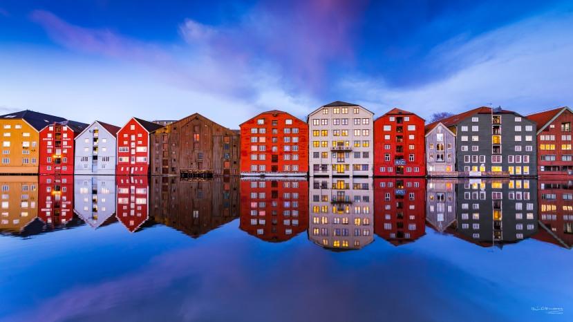 Bryggerekka og springflo - Fotograf Øyvind Blomstereng