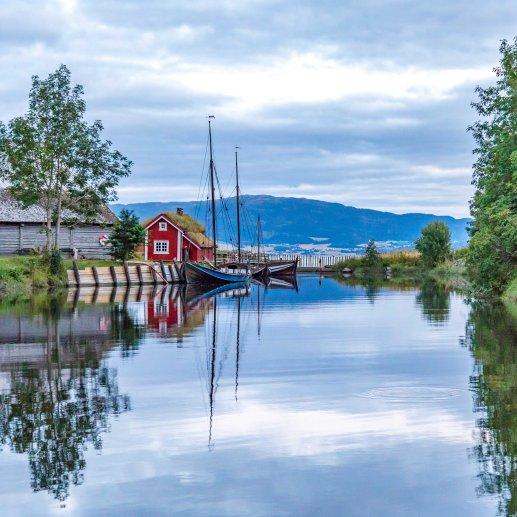Stadsbygda - 80x80 cm - Lav - Fotograf Øyvind Blomstereng-6177